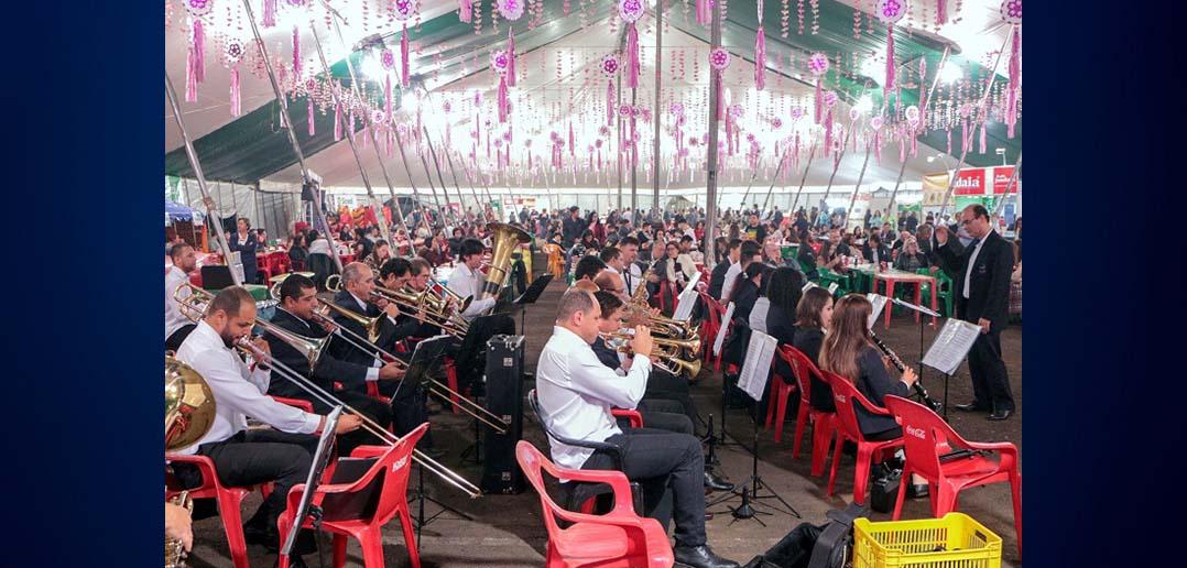 Prefeito prestigia abertura da 25ª Festa da Cerejeira