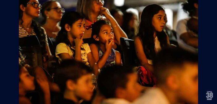 Cinema na Praça anima a criançada de Marumbi