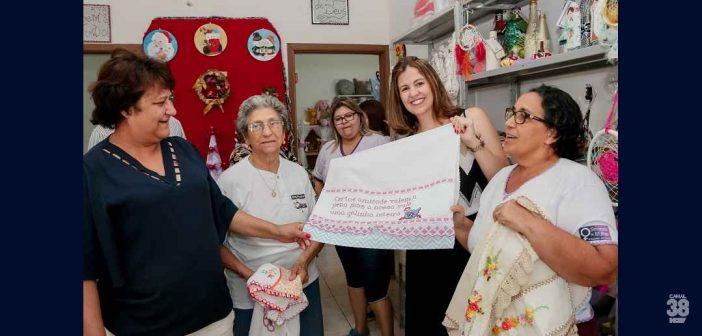 "Comitiva de Ibiporã conhece ""Economia Solidária"" de Apucarana"